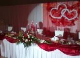 Červená svadobná výzdoba v Kesel centre