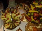 bardejov-svadba-stol-s-ovocim