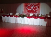 cervena-svadobna-vyzdoba-bardejov-kesel